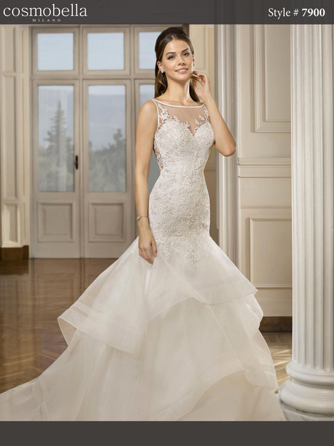 7900 Wedding                                          dress by Cosmobella