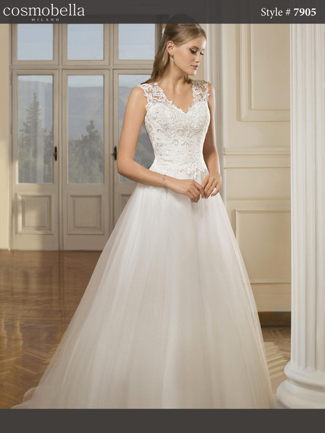 7905 Wedding                                          dress by Cosmobella
