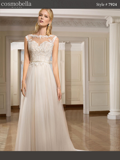 7924 Wedding                                          dress by Cosmobella