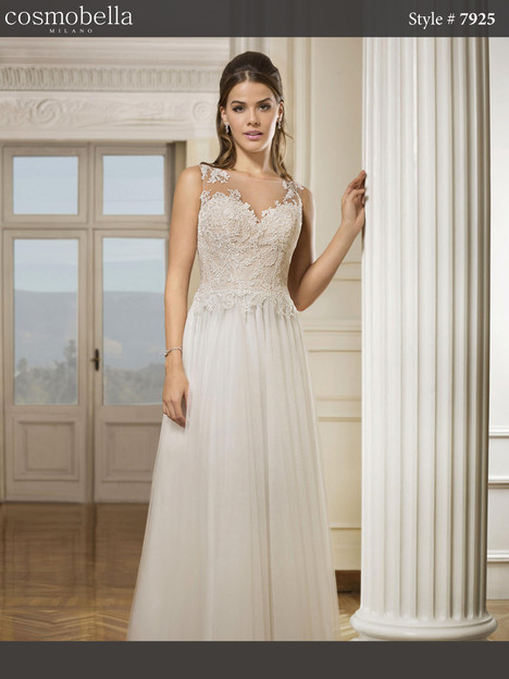 7925 Wedding                                          dress by Cosmobella