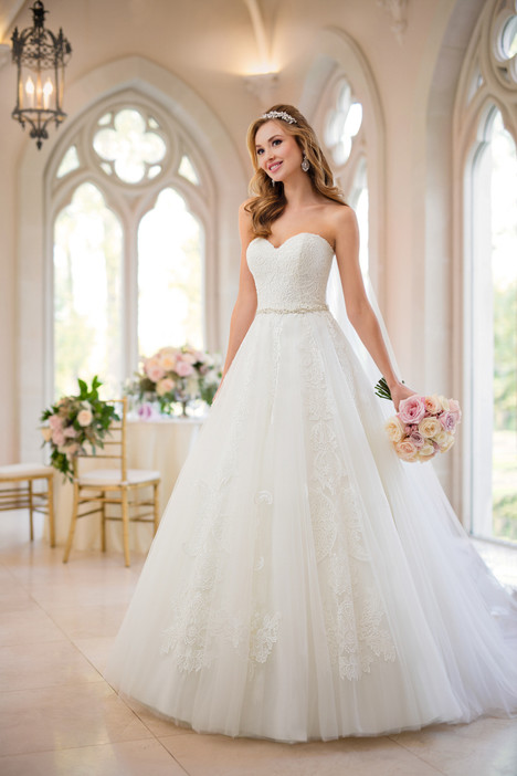 6461 gown from the 2017 Stella York collection, as seen on dressfinder.ca