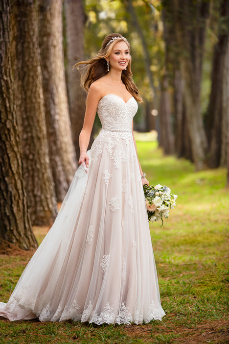 6466 gown from the 2017 Stella York collection, as seen on dressfinder.ca