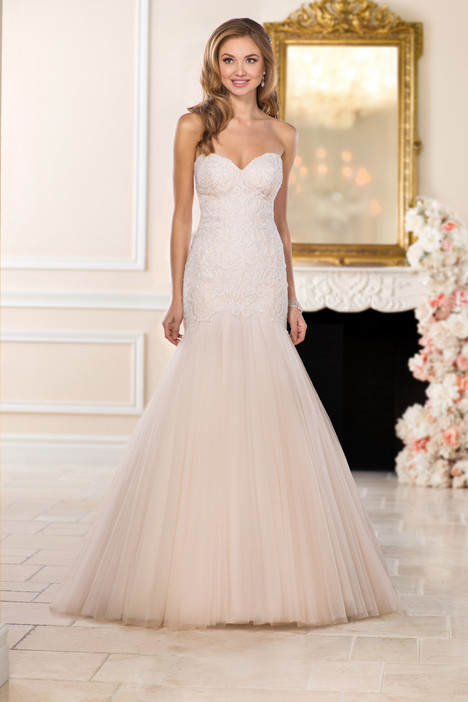 6467 gown from the 2017 Stella York collection, as seen on dressfinder.ca