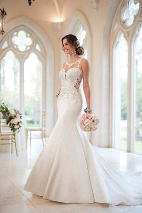 Style 6473 gown from the 2017 Stella York collection, as seen on dressfinder.ca