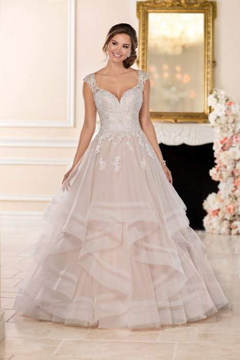 6501 gown from the 2017 Stella York collection, as seen on dressfinder.ca