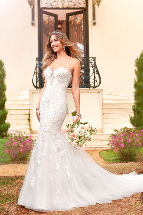 6502 gown from the 2017 Stella York collection, as seen on dressfinder.ca