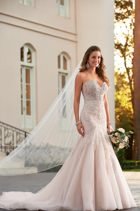Style 6541 gown from the 2017 Stella York collection, as seen on dressfinder.ca