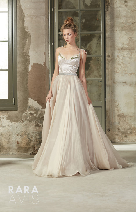 Deia gown from the 2018 Rara Avis collection, as seen on dressfinder.ca
