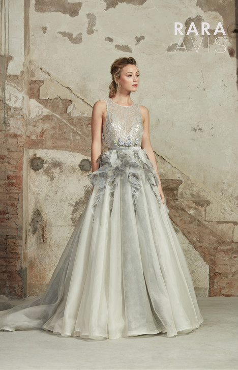 Lavin Wedding                                          dress by Rara Avis