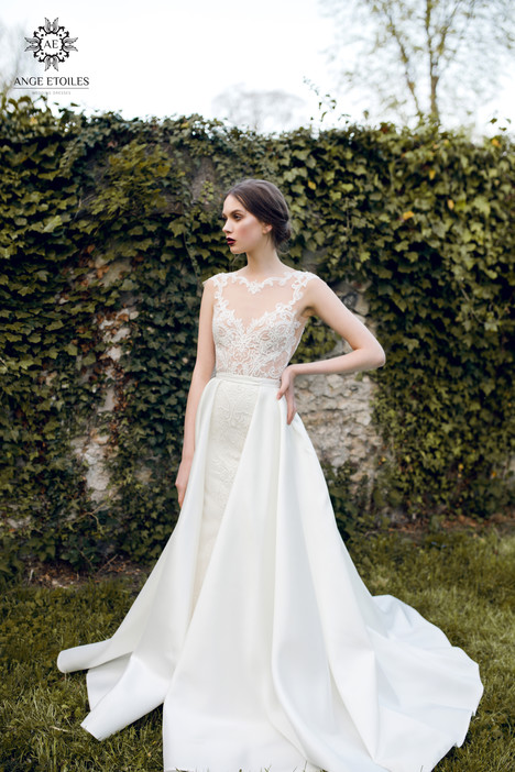 Aurora Wedding                                          dress by Ange Etoiles