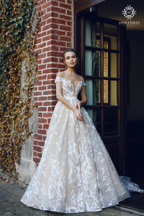 Etel Wedding                                          dress by Ange Etoiles