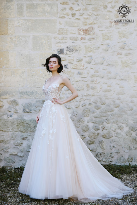 Lilian Wedding                                          dress by Ange Etoiles