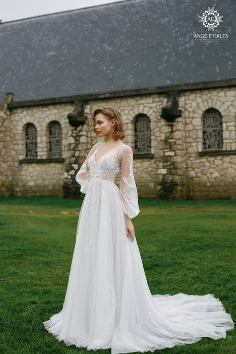 Luna Wedding                                          dress by Ange Etoiles