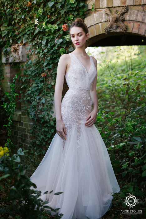 Mia Wedding                                          dress by Ange Etoiles