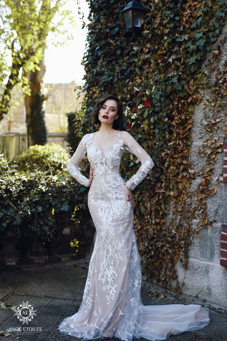 Rosaly Wedding                                          dress by Ange Etoiles