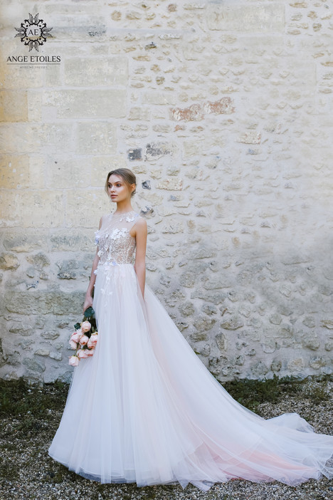 Shana Wedding                                          dress by Ange Etoiles