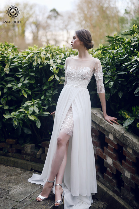 Sylvi Wedding                                          dress by Ange Etoiles