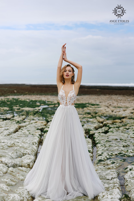 Tea Wedding                                          dress by Ange Etoiles
