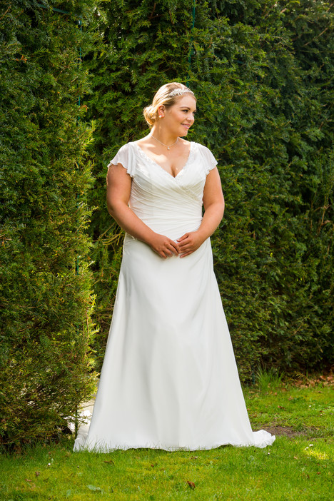 508 Wedding                                          dress by Beautiful Bride Plus