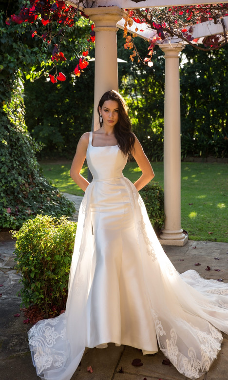 4331 Wedding                                          dress by Christina Rossi
