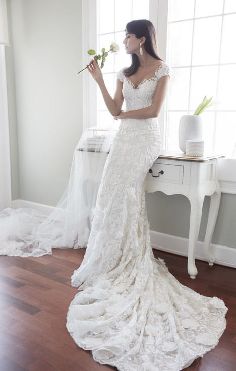 ARAB18608 gown from the 2018 Alessandra Rinaudo collection, as seen on dressfinder.ca