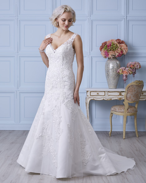 7401 Wedding                                          dress by Romantic Bridals