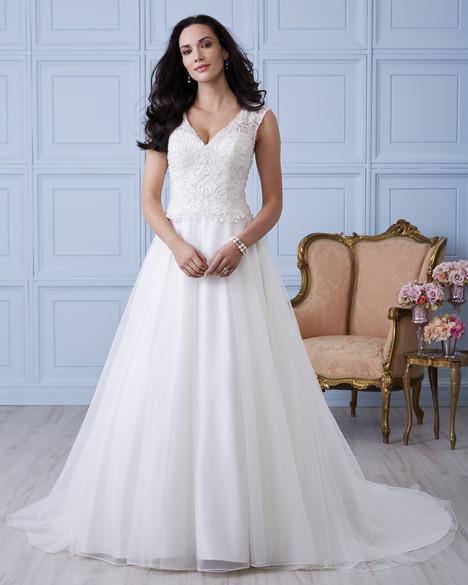 4402 Wedding                                          dress by Romantic Bridals : Hearts Desire