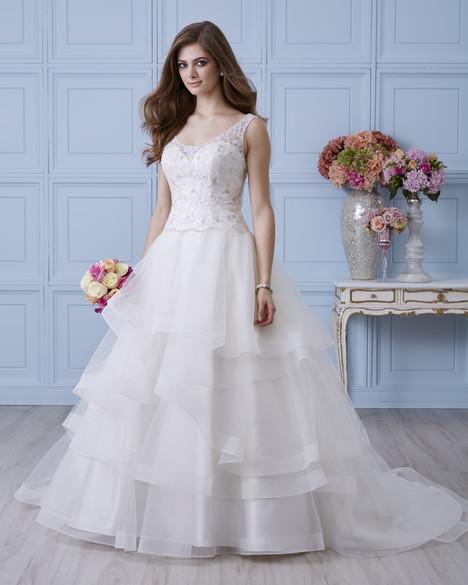 4404 Wedding                                          dress by Romantic Bridals : Hearts Desire