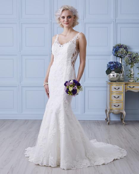 4412 Wedding                                          dress by Romantic Bridals : Hearts Desire