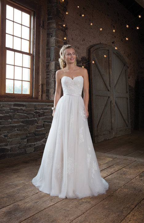1117 Wedding dress by Sweetheart