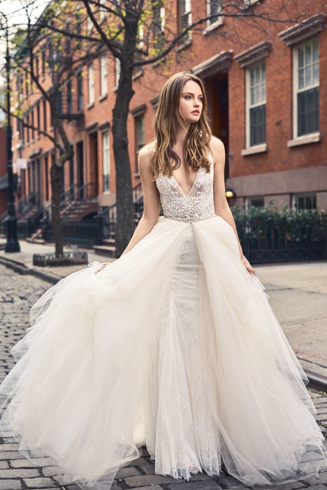 BL18102 Wedding                                          dress by Monique Lhuillier: Bliss