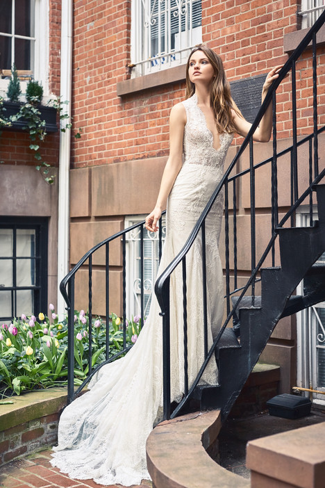BL18125 Wedding                                          dress by Monique Lhuillier : Bliss