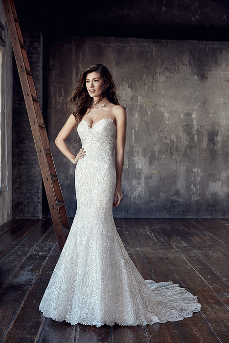 CT200 gown from the 2018 Eddy K Couture collection, as seen on dressfinder.ca