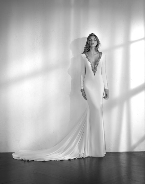 Zabael Wedding dress by Studio St. Patrick