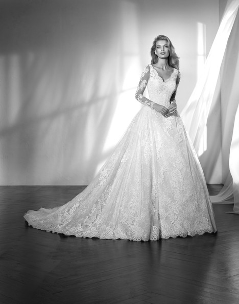 Zelandia Wedding dress by Studio St. Patrick