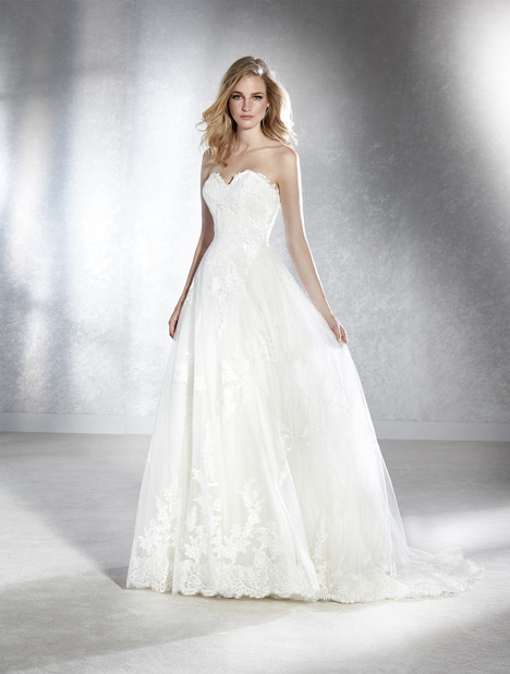 Fabiela Wedding                                          dress by White One