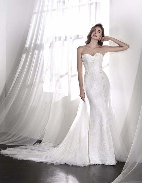 Leonor Wedding                                          dress by St. Patrick