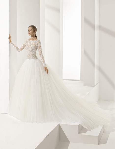 Paraiso Wedding                                          dress by Rosa Clara Couture