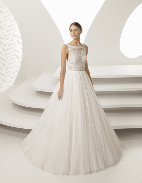 Alada Wedding                                          dress by Rosa Clara