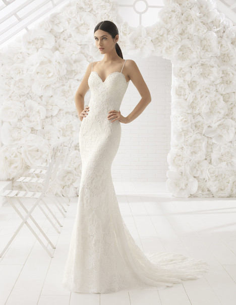 Lisboa Wedding                                          dress by Rosa Clara: Soft