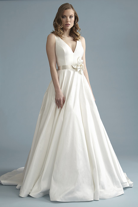 BA026 Wedding dress by Barbra Allin
