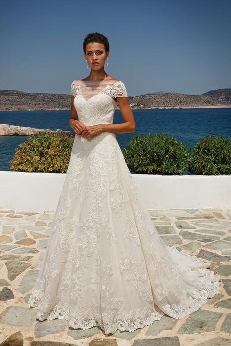 8955 Wedding                                          dress by Justin Alexander