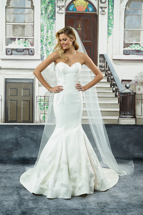 8945 gown from the 2018 Justin Alexander collection, as seen on dressfinder.ca