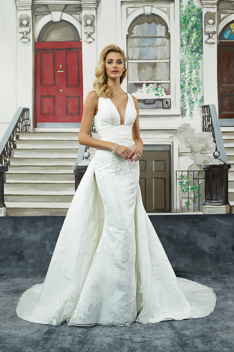 Style 8947 gown from the 2018 Justin Alexander collection, as seen on dressfinder.ca