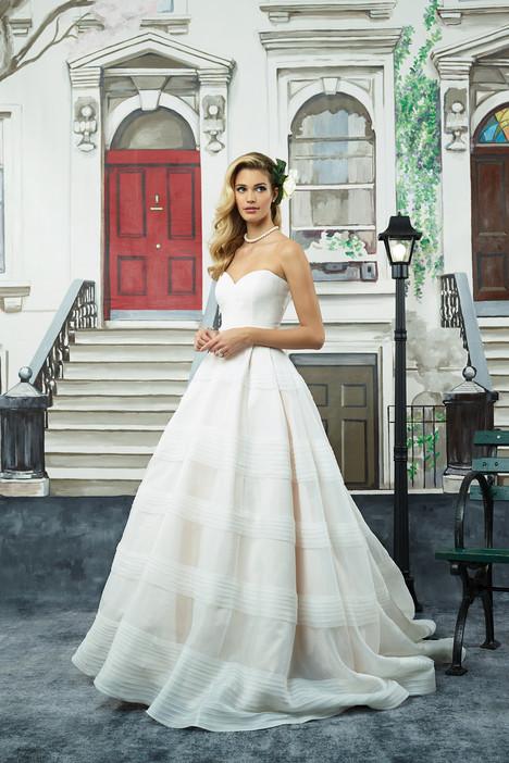 8949 Wedding                                          dress by Justin Alexander