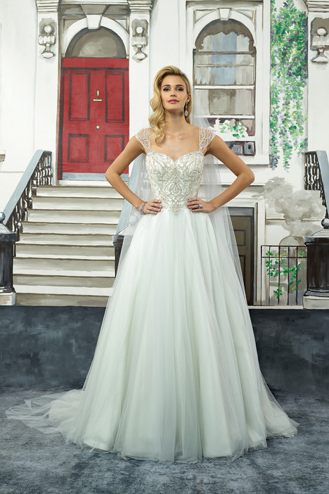 Style 8968 gown from the 2018 Justin Alexander collection, as seen on dressfinder.ca