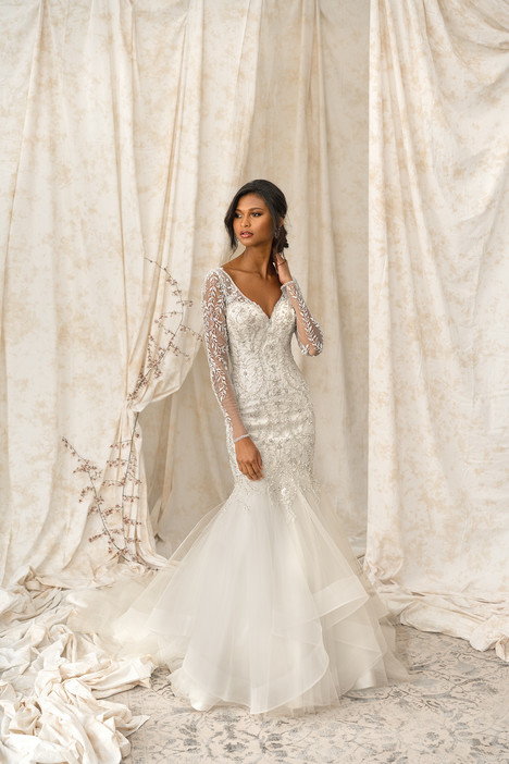 9901 Wedding                                          dress by Justin Alexander Signature