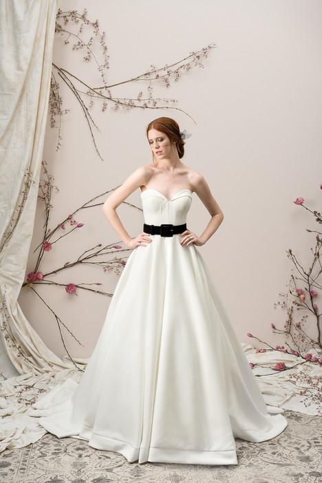 9904 Wedding                                          dress by Justin Alexander Signature