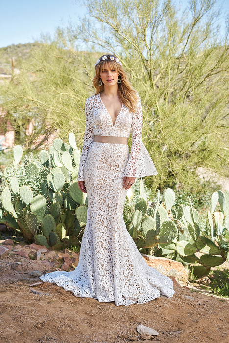6509 Wedding                                          dress by Lillian West