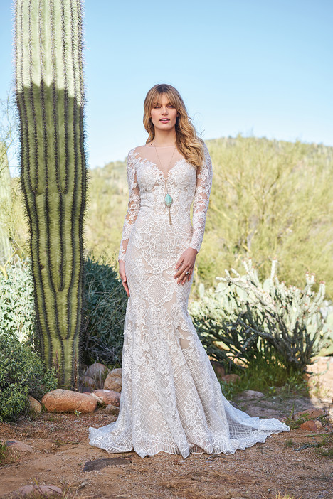 6511 Wedding                                          dress by Lillian West